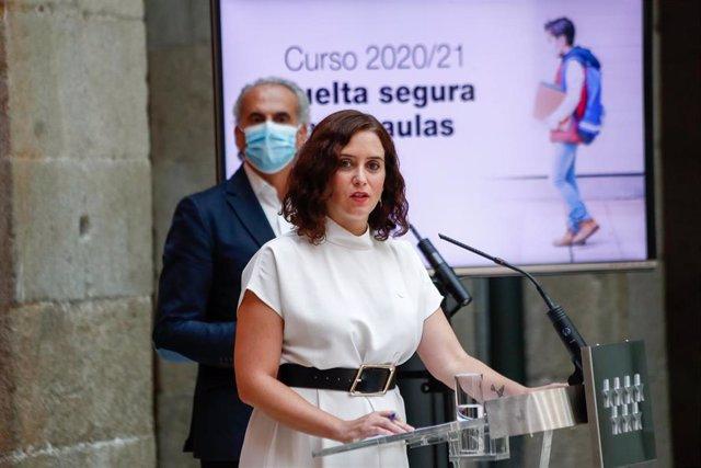 La presidenta de la Comunidad de Madrid, Isabel Díaz Ayuso, durante la presentación de la estrategia del Gobierno regional para la vuelta a las aulas y el inicio del curso escolar 2020/21, en Real Casa de Correos, en Madrid (España) a 25 de agosto de 2020