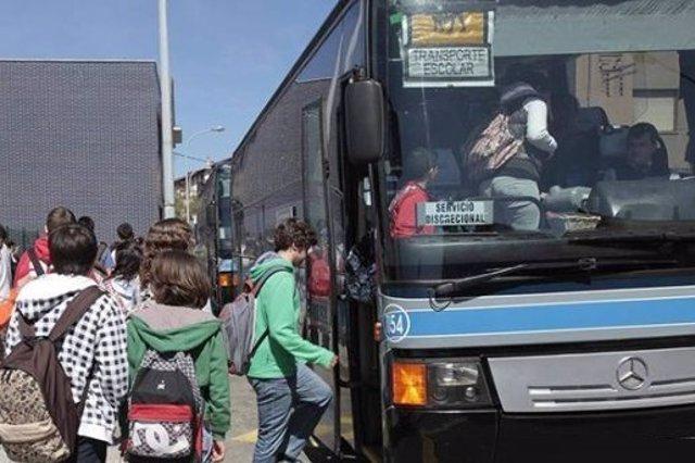 Tráfico intensifirá esta semana una campaña de vigilancia en autocares de transporte escolar en CyL