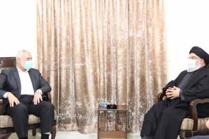 Los líderes de Hamás y Hezbolá escenifican su alianza con una reunión en Beirut
