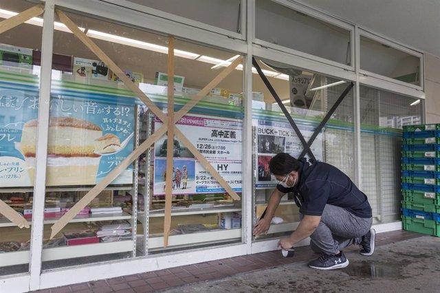 AMP.- Clima.- Las autoridades japonesas ordenan evacuar a 1,8 millones de person