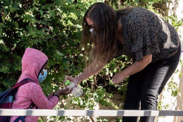 Coronavirus.- Israel impone el toque de queda en 40 zonas por el aumento de cont