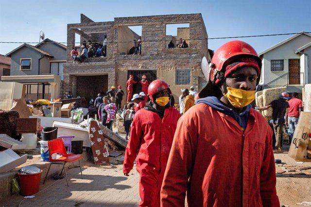 Coronavirus.- Sudáfrica se acera a los 640.000 casos y los 15.000 fallecidos tra