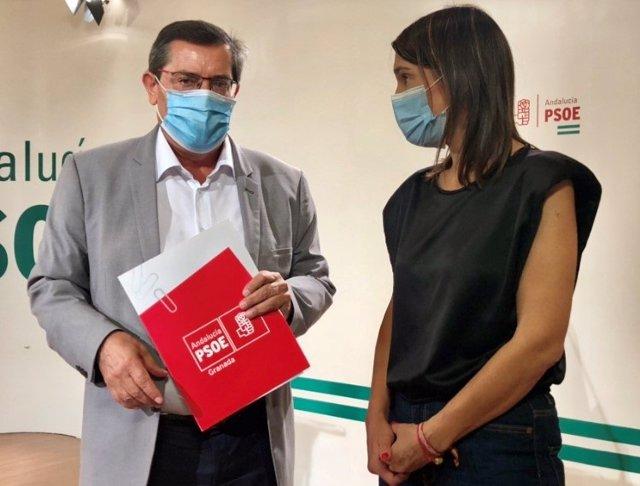 José Entrena y Olga Manzano, del PSOE, en rueda de prensa sobre educación
