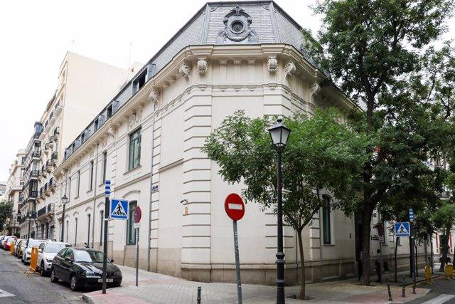 Fachada del edificio de la Fiscalía Anticorrupción en la Calle Manuel Silvela, Nº4 de Madrid.