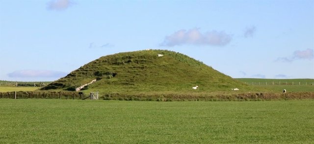 Casas al revés para los muertos de la Edad de Piedra