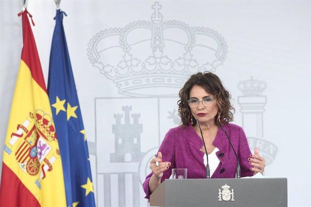 La ministra portavoz y de Hacienda, María Jesús Montero, comparece en rueda de prensa.