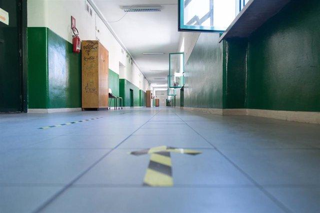 Medidas de distanciamiento en un colegio de Roma