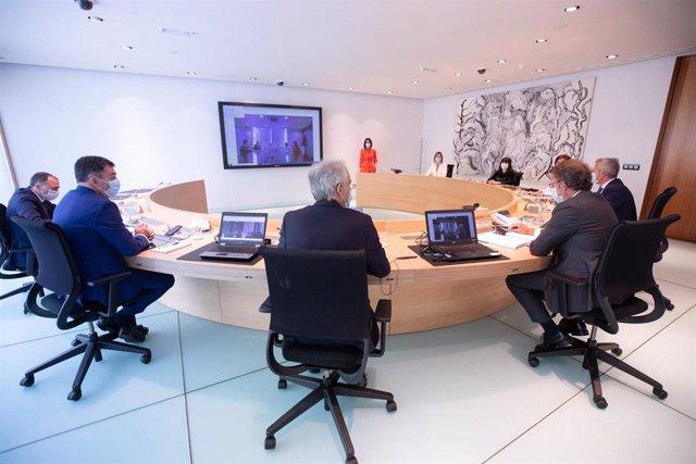 Feijóo preside la reunión del Consello de la Xunta.