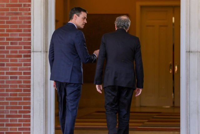 El president del Govern, Pedro Sánchez, rep a la resident de la Generalitat, Quim Torra, per a la primera reunió de la taula de diàleg entre el Govern d'Espanya i el Govern de Catalunya, Palau de la Moncloa, a 26 de febrer de 2020.
