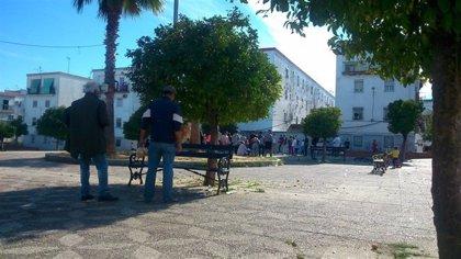 """Investigan un """"ataque"""" a la Policía en una actuación en la 'esquina del gato' de San Juan (Sevilla)"""