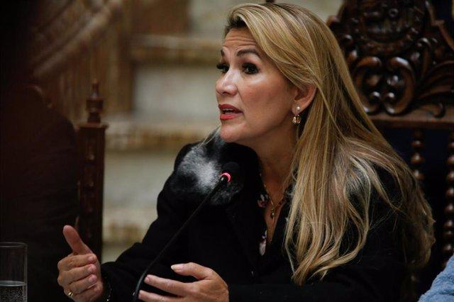 La presidenta autoproclamada de Bolivia, Jeanine Áñez