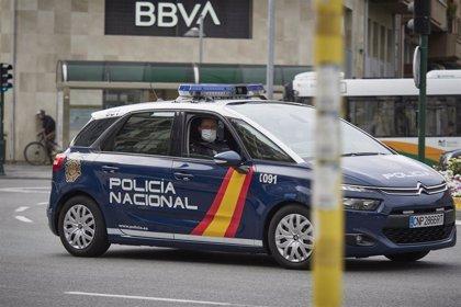 Dos policías fuera de servicio evitan una agresión por arma blanca de un joven a dos chicas en Pamplona