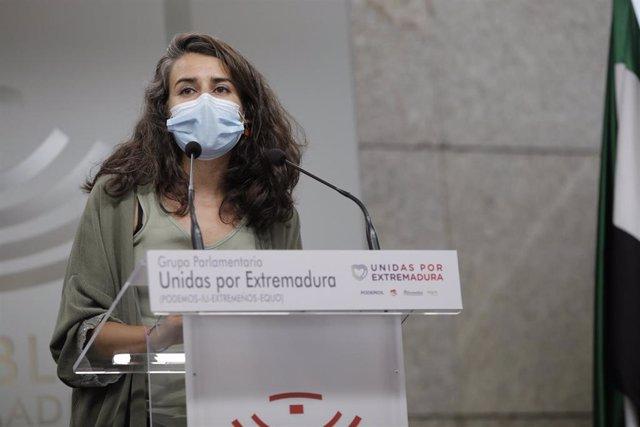 Irene de Miguel en rueda de prensa