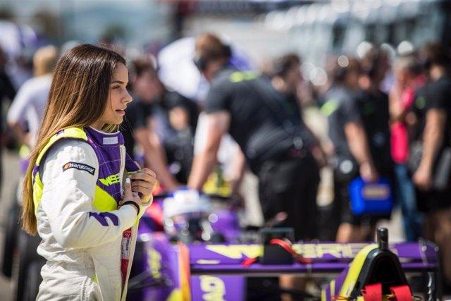 """Motor.- Marta García: """"Ser mujer en el motor no es fácil, pero me he ganado el r"""
