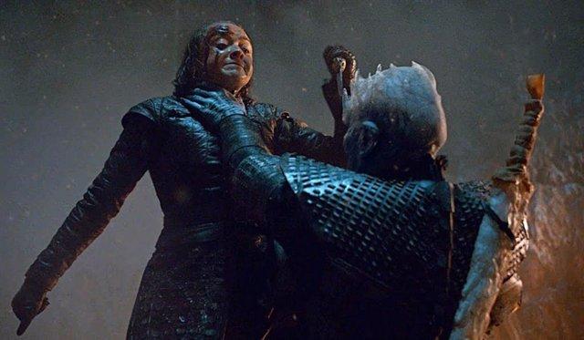 Arya Stark y el Rey de la Noche en Juego de tronos