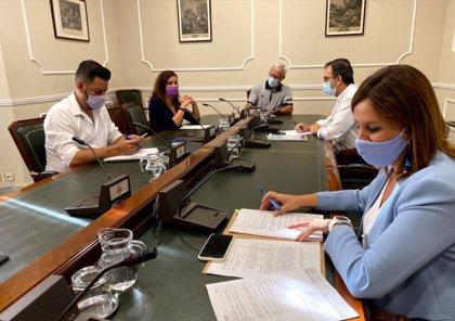 """El PP denuncia a Ribó y cuatro ediles ante Justicia por """"incumplir"""" el protocolo Covid al acceder a colegios"""