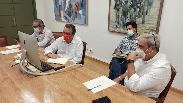 Reunión del equipo de gobierno de Torremolinos con la Delegación de Educación de la Junta para ceder instalaciones municipales a los centros educativos