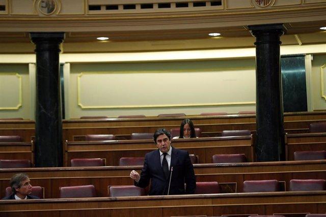 El diputado del PP José Ignacio Echániz durante su intervención en la sesión de control al Ejecutivo celebrada este miércoles en el Congreso., en Madrid (España), a 29 de abril de 2020.