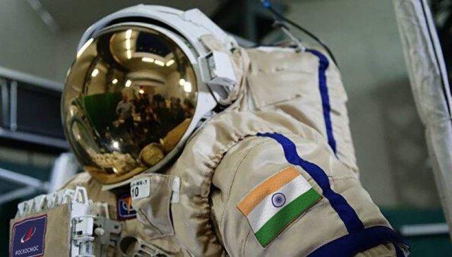 Rusia fabrica los trajes espaciales para los cosmonautas indios
