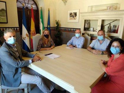 Ayuntamiento de Alcalá de Guadaíra (Sevilla) y Cáritas firman un convenio para ayudar a los sectores vulnerables