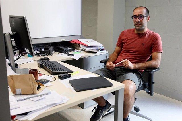 El investigador Julen Ibañez