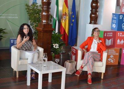 """Ruiz destaca labor de cooperantes en hacer """"un mundo más justo"""" tras reunirse con la Secretaría General Iberoamericana"""