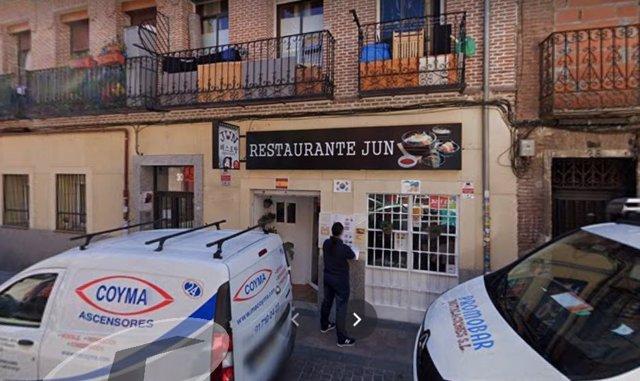 Desalojado un restaurante coreano con aforo para 20 personas pero con 67 dentro