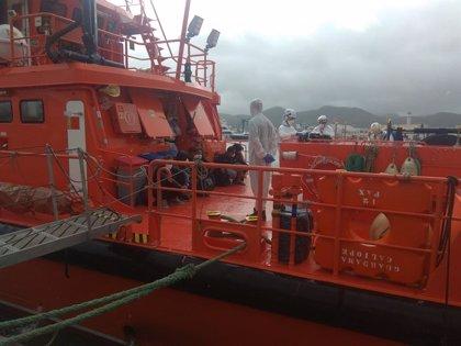 Dos de los 12 migrantes interceptados en Formentera dan positivo en COVID-19