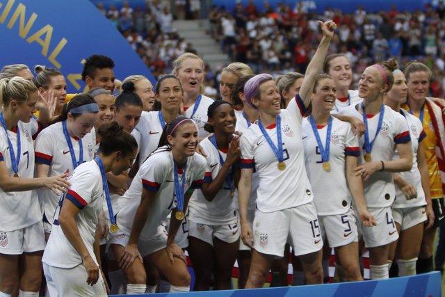 Fútbol.- La FIFA ofrecerá ocho nuevos programas de desarrollo del fútbol femenin