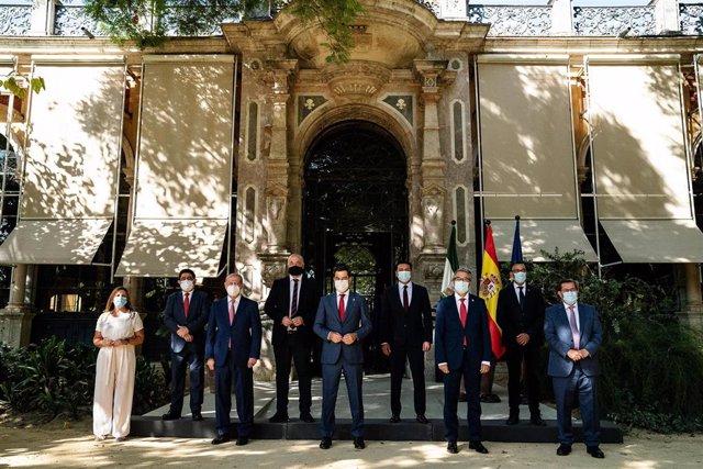 Reunión del presidente de la Junta de Andalucía con los presidentes de las diputaciones provinciales.