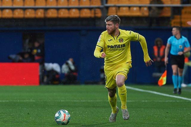 Fútbol.- Alberto Moreno, seis meses de baja tras ser intervenido del ligamento c
