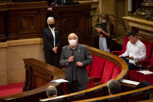 El conseller de Educación de la Generalitat, Josep Bargalló, en el pleno del Parlament del 9 de septiembre de 2020