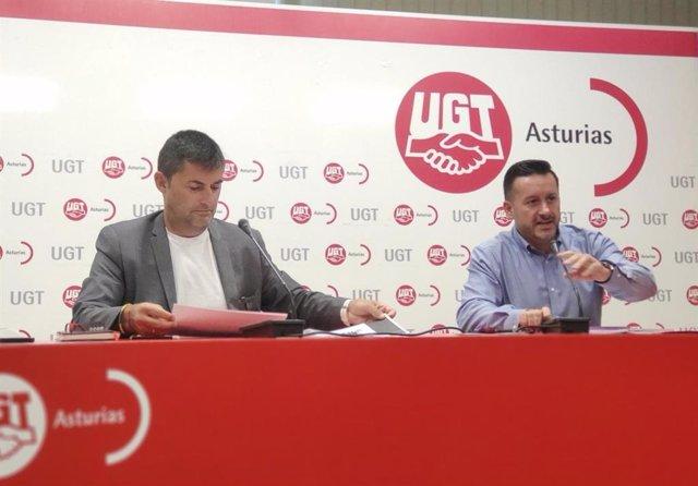 Rueda de prensa del secretario general de UPTA-UGT, Eduardo Abad, y el secretario general de UGT Asturias, Javier Fernández Lanero