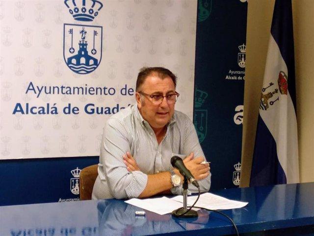 El delegado de Cultura del Ayuntamiento de Alcalá de Guadaíra, Enrique Pavón.