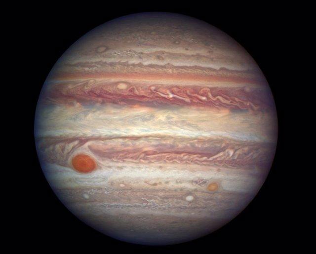 A medida que el sistema solar se estaba formando hace miles de millones de años, el planeta Júpiter abrió un espacio en el disco de polvo y gas alrededor del sol, dividiendo el sistema solar interior del exterior.