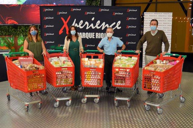 Parque Rioja y Xperience entregan 700 kilos de alimentos a familias afectadas por el Covid-19