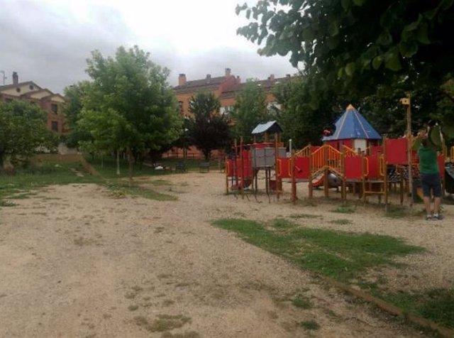 El Ayunntamiento de Villamediana adjudica en casi 55.400 euros la reforma del parque de la calle David Parra Gil.