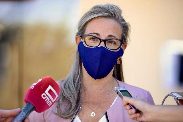 Portavoz del PP en las Cortes, Lola Merino, en declaraciones a los medios.