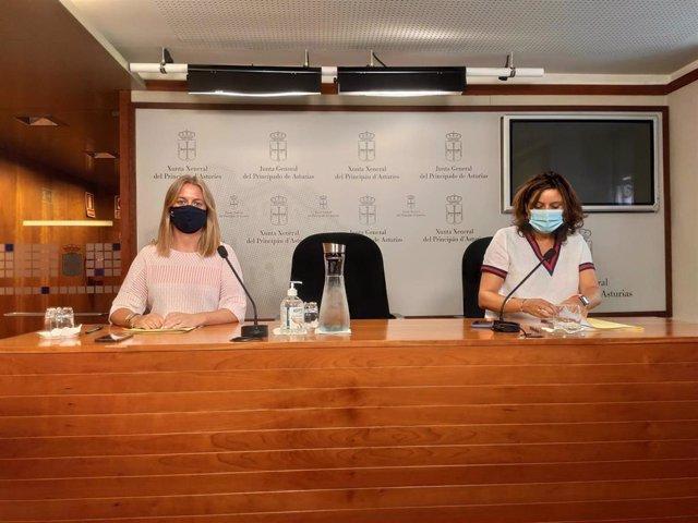 Las diputadas del PP Reyes Fernández Hurlé y Beatriz Polledo en rueda de prensa.