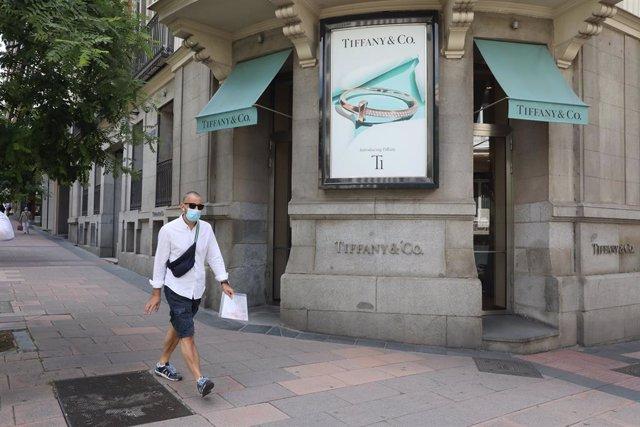 Economía/Empresas.- LVMH cancela la compra de Tiffany, que responde con una dema