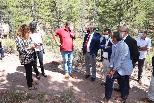 Javier Lambán durante su visita al Parque de Fauna La Maleza.