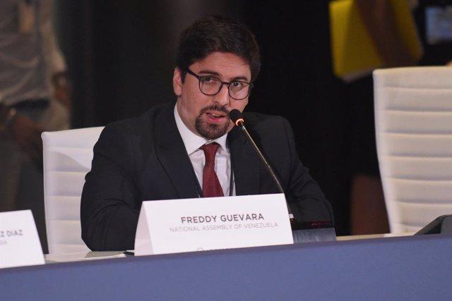 Venezuela.- El diputado opositor Freddy Guevara abandona la Embajada de Chile en
