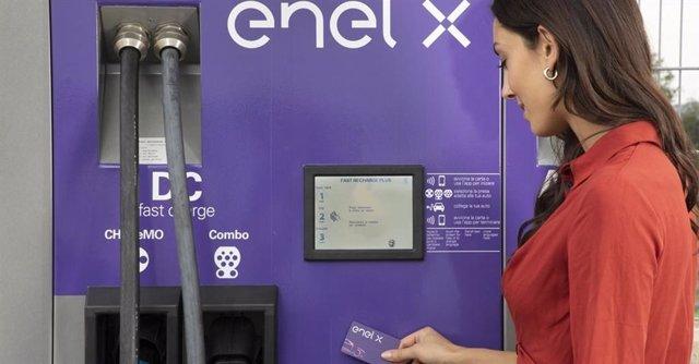 Economía.- Enel X se asocia con Uber en EEUU para que sus conductores usen sus p