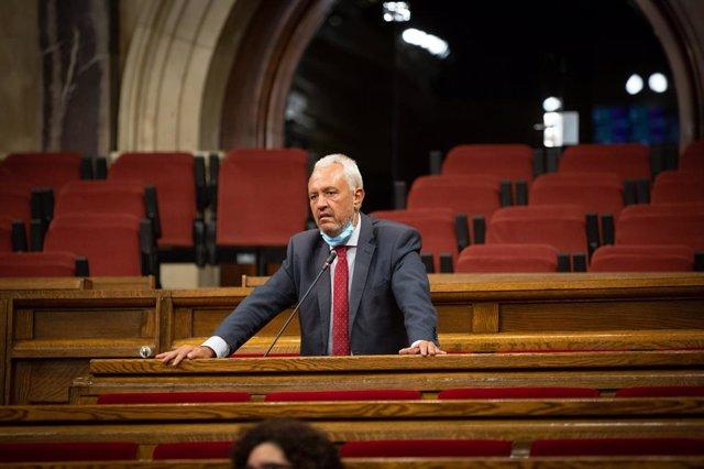 El diputat del PP al Parlament Santi Rodríguez durant el debat de la llei que limita el preu del lloguer.