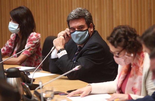 El ministro de Inclusión, Seguridad Social y Migraciones, José Luis Escrivá, preside la Comisión de Seguimiento y Evaluación de los Acuerdos del Pacto de Toledo en el Congreso de los Diputados. En Madrid, (España), a 9 de septiembre de 2020.