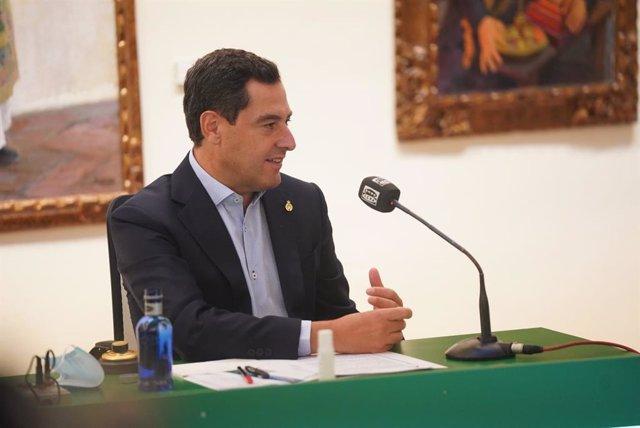 Juanma Moreno, durante la entrevista en Onda Cero