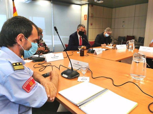 El conseller de Interior de la Generalitat, Miquel Sàmper, en su primera reunión con los mandos del cuerpo de Bombers de la Generalitat. En Barcelona, el 9 de septiembre de 2020.