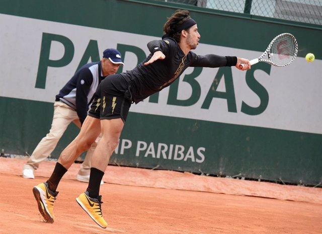 Tenis.- Feliciano López vence en su debut en la tierra de Kitzbuhel y Albert Ram