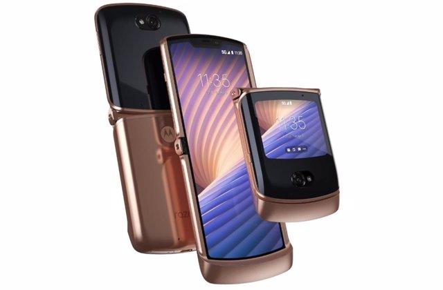 Motorola renueva su móvil plegable Razr 5G con más funciones sin tener que abrir