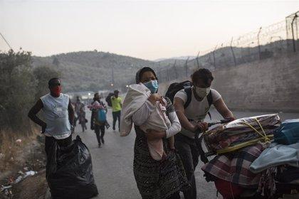 Grecia.- Declarado un nuevo incendio en el campamento de refugiados griego de Moria
